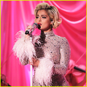 Bebe Rexha Performs 'Knees' on 'Tonight Show' - Watch Now!