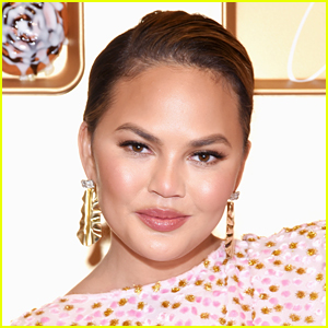 Chrissy Teigen Watched 'Bird Box' & It Caused the Worst Dream of Her Life