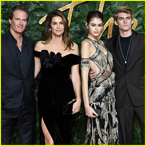 Cindy Crawford & Family Support Kaia Gerber at The Fashion Awards 2018