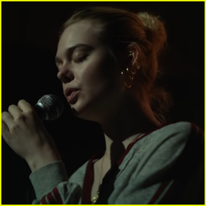 Elle Fanning Sings Robyn's 'Dancing On My Own' in First 'Teen Spirit' Trailer - Watch Here!