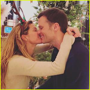 Gisele Bundchen & Tom Brady Share Christmas Morning Kisses