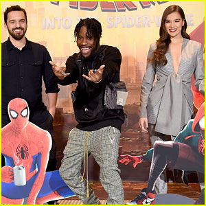 Hailee Steinfeld, Jake Johnson, & Shameik Moore Attend 'Spider-Man: Into the Spider-Verse' Photo Call