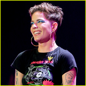 Halsey Responds to Critics of Her 'The Voice' Finale Performance!