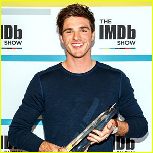 The Kissing Booth's Jacob Elordi Receives IMDb STARmeter Award!