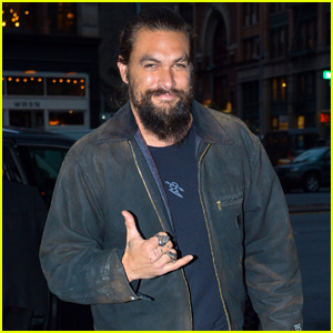 Jason Momoa is All Smiles Promoting 'Aquaman' in NYC!