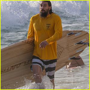 Jason Momoa Hits the Waves in Hawaii!