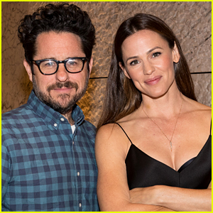 Jennifer Garner to Reunite With 'Alias' Creator J.J. Abrams for New Apple Drama Series!