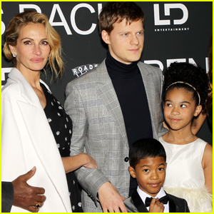 Julia Roberts & Lucas Hedges Premiere 'Ben Is Back' in New York City!