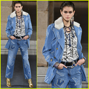 Kaia Gerber Owns the Runway During 'Chanel' Metiers D'Art Show in NYC