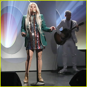 Kesha Delivers Empowering 'Here Comes the Change' Performance On 'Ellen'!
