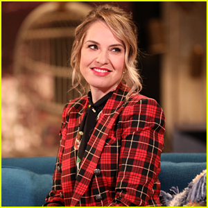 Leslie Grossman Had Lunch with Amanda Bynes Last Week & Shares an Update