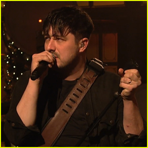 Mumford & Sons Perform 'Guiding Light' & 'Delta' on SNL - Watch Now!