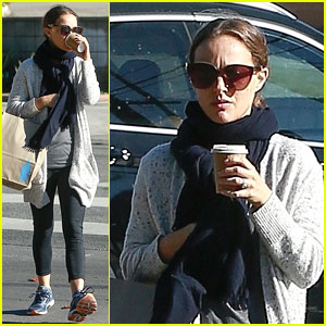 Natalie Portman Keeps It Cozy for Trip to the Grocery Store