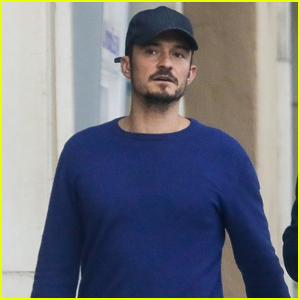 Orlando Bloom Takes His Pup to Breakfast in L.A.