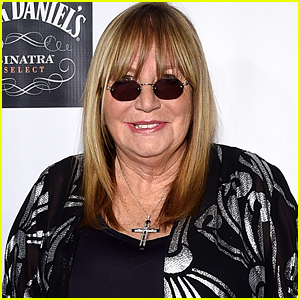 Celebrities React to the Death of Penny Marshall