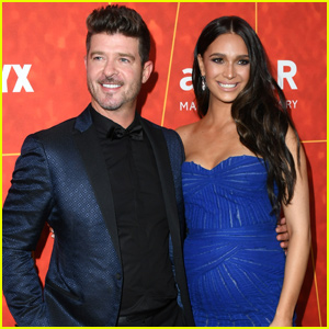 Robin Thicke & April Love Geary Get Engaged on Christmas Eve!