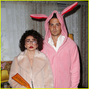 Sarah Hyland & Wells Adams Recreate 'A Christmas Story' at Toys for Tots Party!