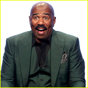 Steve Harvey Ditches Black Mustache for Gray Beard - See His New Look!