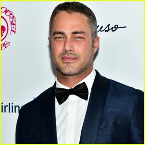 Taylor Kinney Helped Pennsylvania Driver with Blown Out Tire on Christmas Eve!