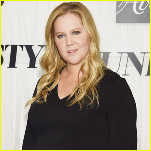 Amy Schumer Shares Hilarious 'Baywatch' Inspired Baby Bump Video