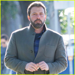 Ben Affleck Steps Out for Solo Lunch in Los Angeles