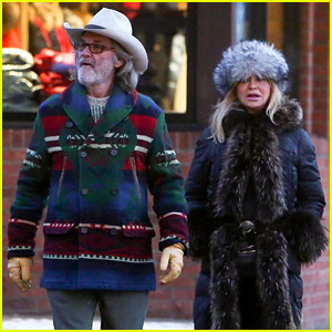 Goldie Hawn & Kurt Russell Take New Year's Day Stroll in Aspen