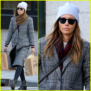 Jessica Biel Bundles Up for Post-Holiday Shopping Trip