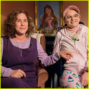 Patricia Arquette & Joey King in 'The Act' - First Look Photos!