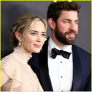 John Krasinski Cheers for Wife Emily Blunt at Golden Globes 2019 - Watch!