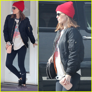 Kate Mara Steps Out For Dance Class Following Pregnancy News!