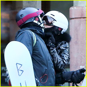 Katy Perry & Orlando Bloom Share a Kiss After Snowboarding in Aspen!