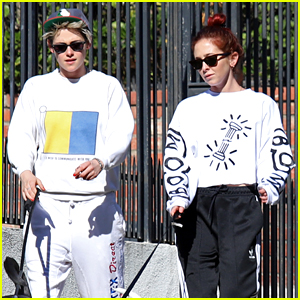 Kristen Stewart & Sara Dinkin Kiss on Their Way to Workout Class