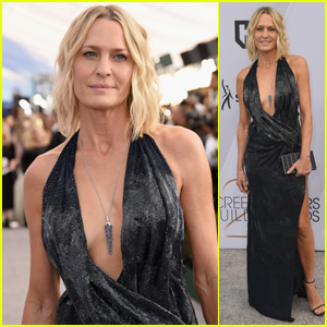 Robin Wright Hits the Red Carpet at SAG Awards 2019