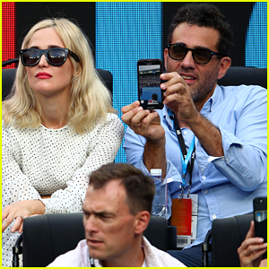 Rose Byrne & Bobby Cannavale Couple Up at Australian Open!