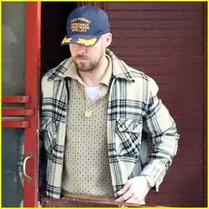 Ryan Gosling Reps 'First Man' While Grabbing Lunch at Little Dom's
