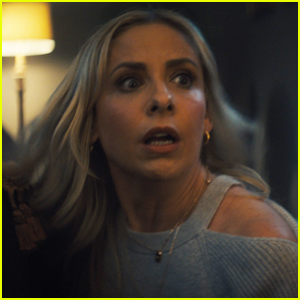 Olay's Super Bowl 2019 Commercial Stars Sarah Michelle Gellar in a Scary Situation!