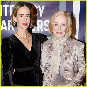 Sarah Paulson Reveals the Surprisingly Way She Met Girlfriend Holland Taylor - Watch Here!