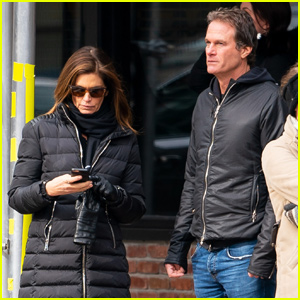 Cindy Crawford & Rande Gerber Coordinate Outfits For NYC Stroll!