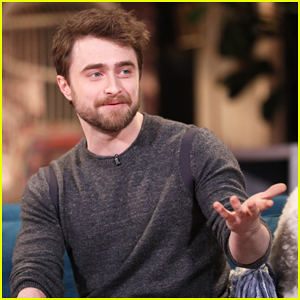Daniel Radcliffe Explains Why He Isn't on Social Media on 'Busy Tonight' - Watch Here!