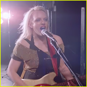 Elisabeth Moss Plays a Rocker in 'Her Smell' Trailer - Watch Now!