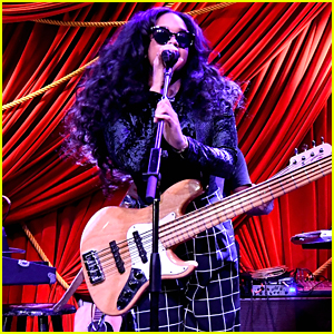 H.E.R. Performs at ModCloth Celebration Event in NYC
