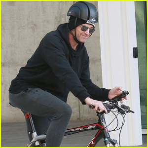 Hugh Jackman Rides His Bike Around NYC