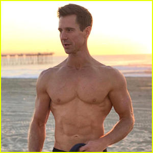 Veronica Mars' Jason Dohring Bares Ripped Body at the Beach!