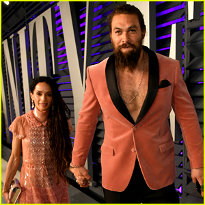 Jason Momoa Ditches His Shirt for Vanity Fair Oscar Party 2019!
