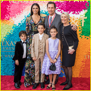 Matthew McConaughey Gets Honored at Texas Medal Of Arts Awards with Family By His Side!