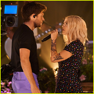Julia Michaels & Niall Horan Perform 'What a Time' on 'Corden' - Watch!