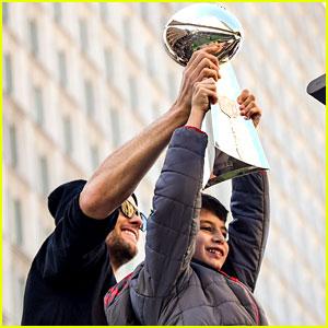 Tom Brady Brings Kids Vivian & Benjamin to Super Bowl Victory Parade 2019!