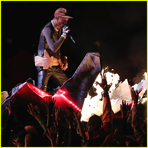 Travis Scott Joins Maroon 5 During Super Bowl Halftime Performance 2019 - Watch Now!