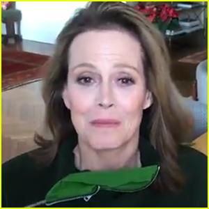 Sigourney Weaver Praises Viral High School 'Alien' Play - Watch!