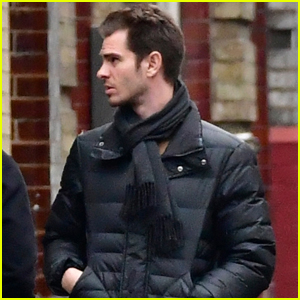 Andrew Garfield Meets Up with Friends in London